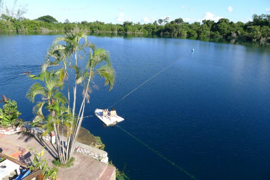 cenote azul chetumal bacalar