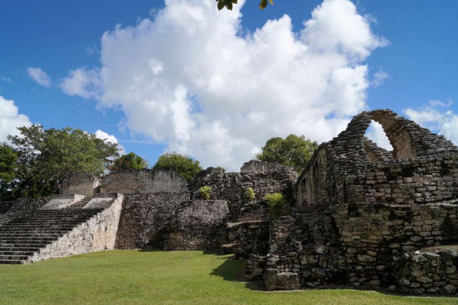 Visitar Ruinas Arqueológicas en Kohunlich