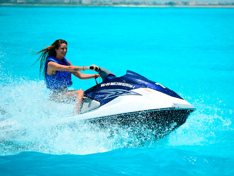 Waverunner-Cancun